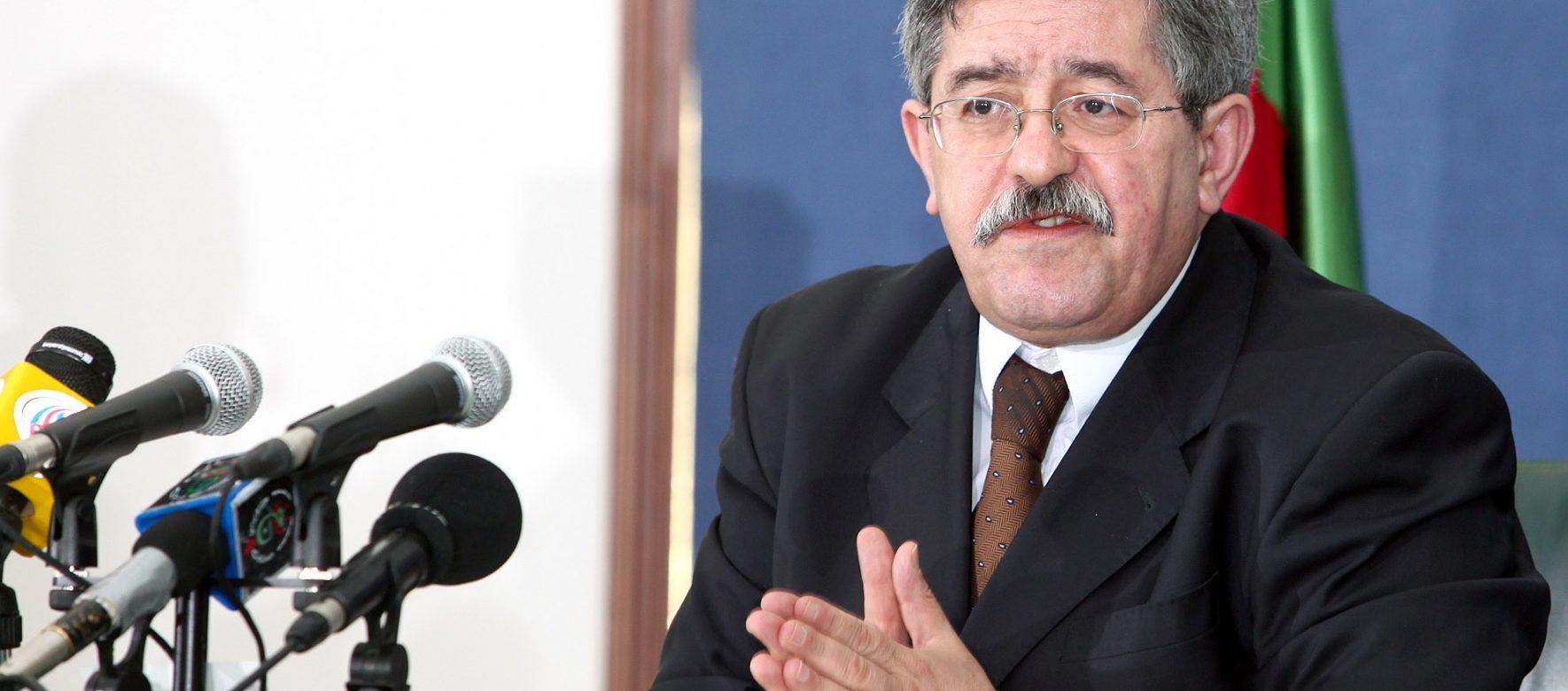 Algérie : Ahmed Ouyahia exhorte les opérateurs économiques nationaux à conquérir les marchés extérieurs