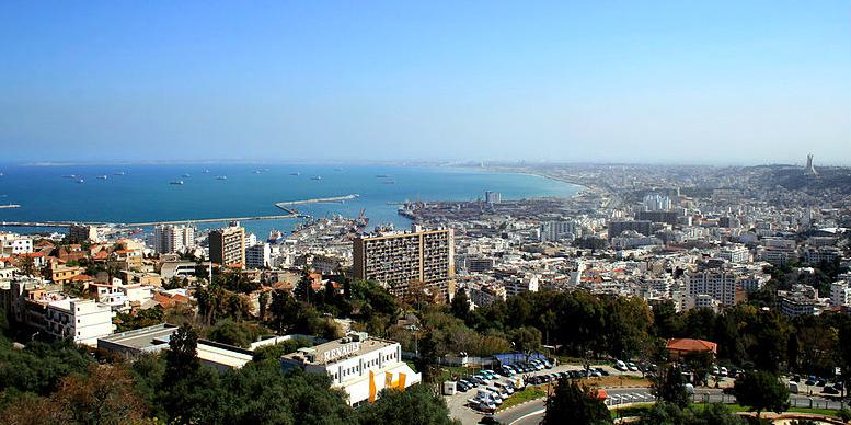 Algérie :Les autorités ont indiqué que l'Etat réduirait désormais de moitié son budget de fonctionnement pour 2020