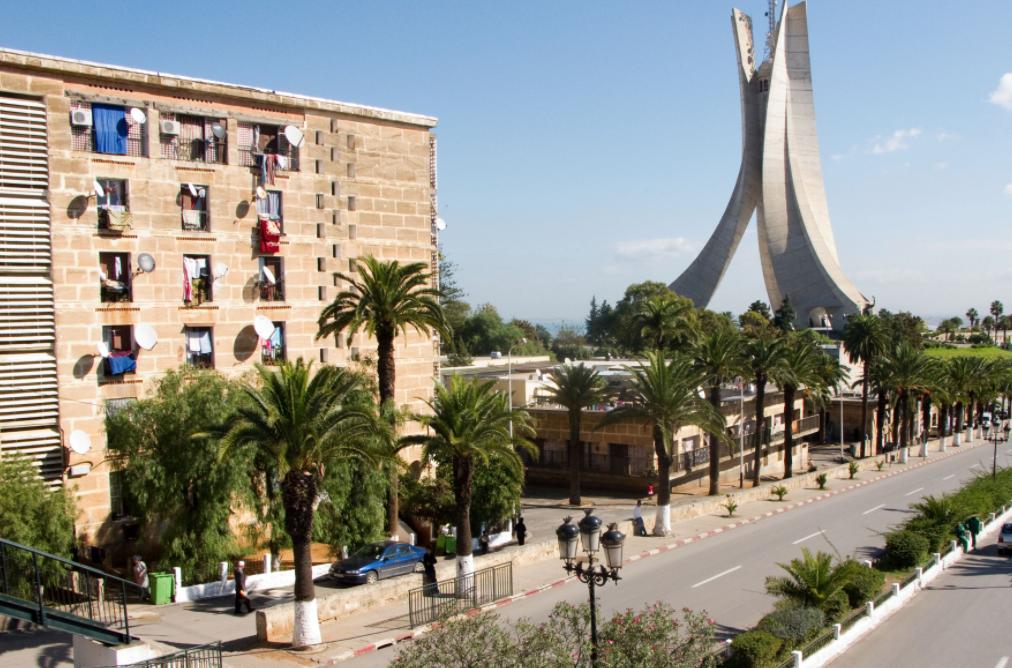 L'Algérie réfléchit à réviser sa constitution pour plus de transparence et de lutte contre la corruption