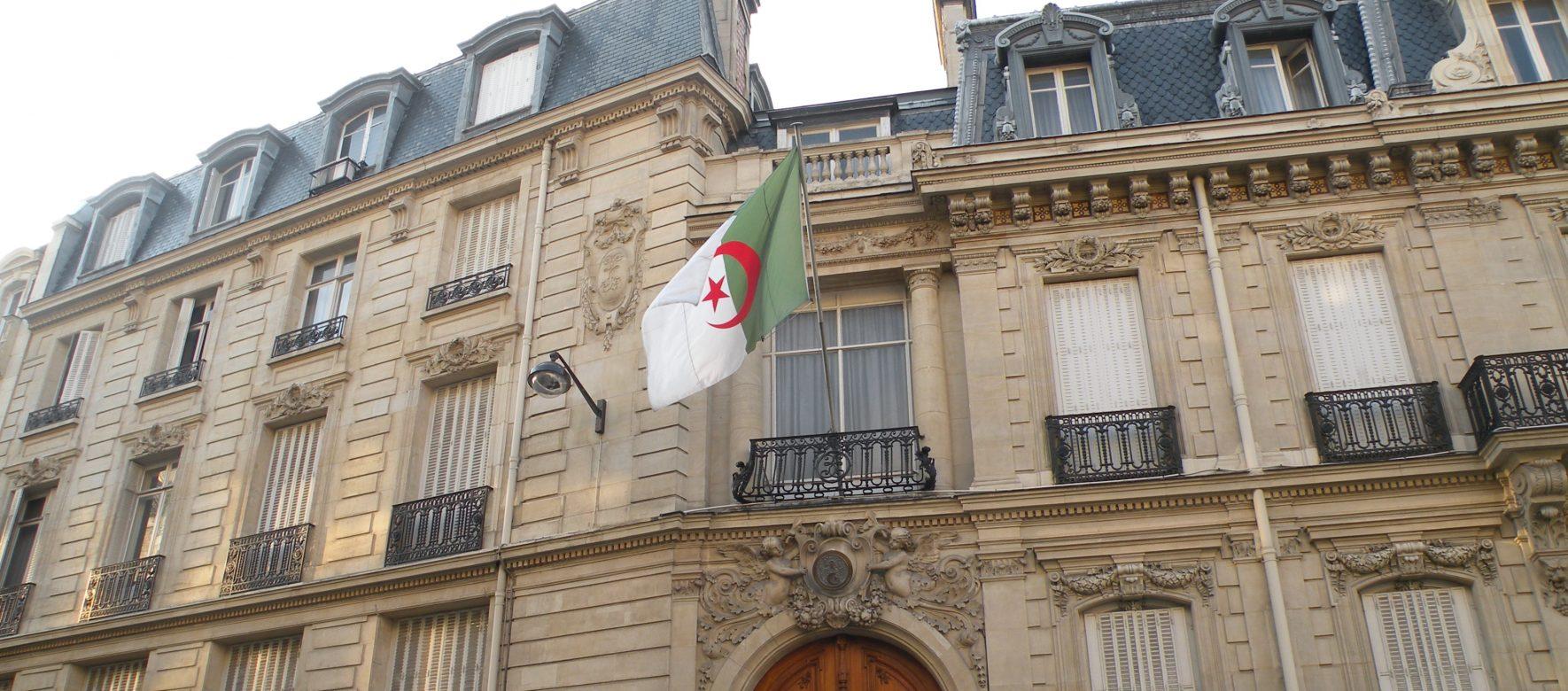 Le gouvernement Algérien nomme un nouvel ambassadeur à Paris