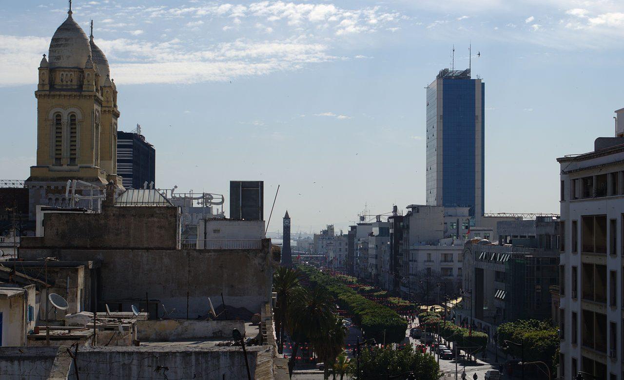 Tunisie : La croissance va baisser de 6% et la France vient en aide au pays avec un prêt de 350 millions d'€