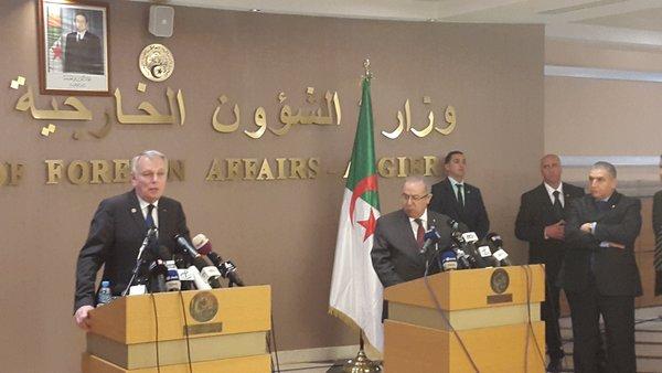 Jean-Marc Ayrault à Alger pour renouveler un message « d'amitié »