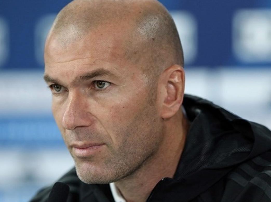 Algérie : Le célèbre joueur et entraineur Zinedine Zidane offre des équipements médicaux à son pays d'origine