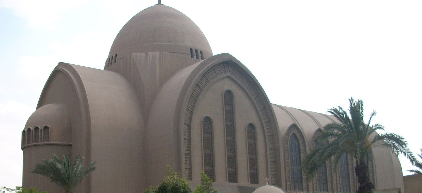 Attentat au Caire, la communauté copte frappée au coeur