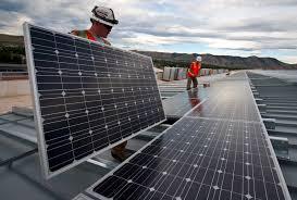 Egypte : 335 millions de dollars pour la construction de 6 centrales solaires