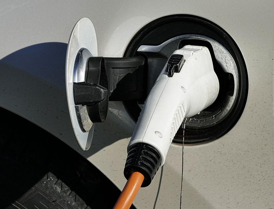 Israël : Chakratec lance le premier chargeur pour voiture électrique haute puissance