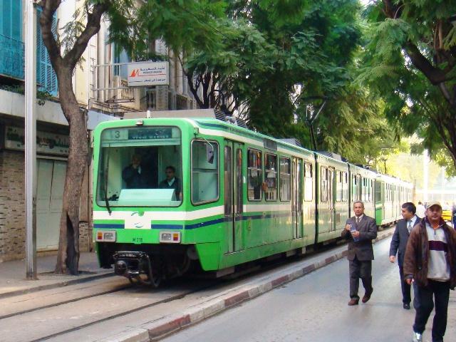 Tunisie : trois conventions signés avec la France pour le transport urbain