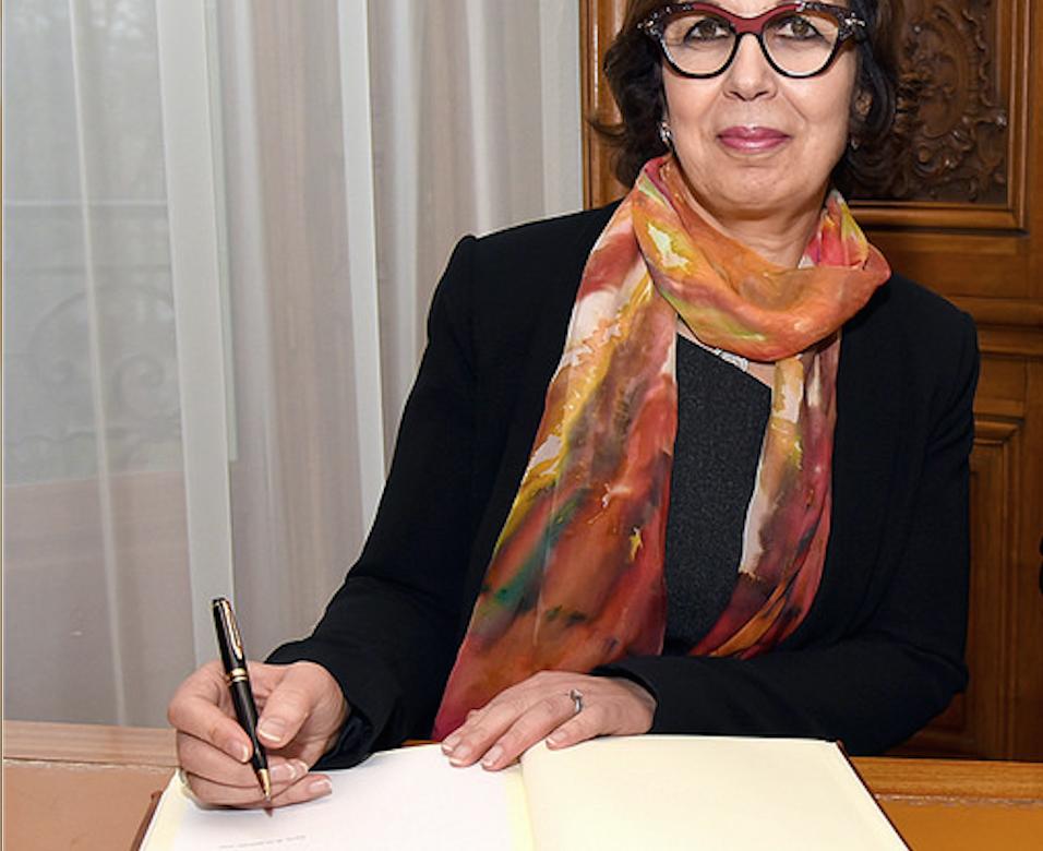 En Tunisie, le dinar entraîne dans sa chute la ministre des Finances