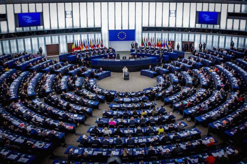 Le Parlement européen approuve un prêt de 500 millions d'euros
