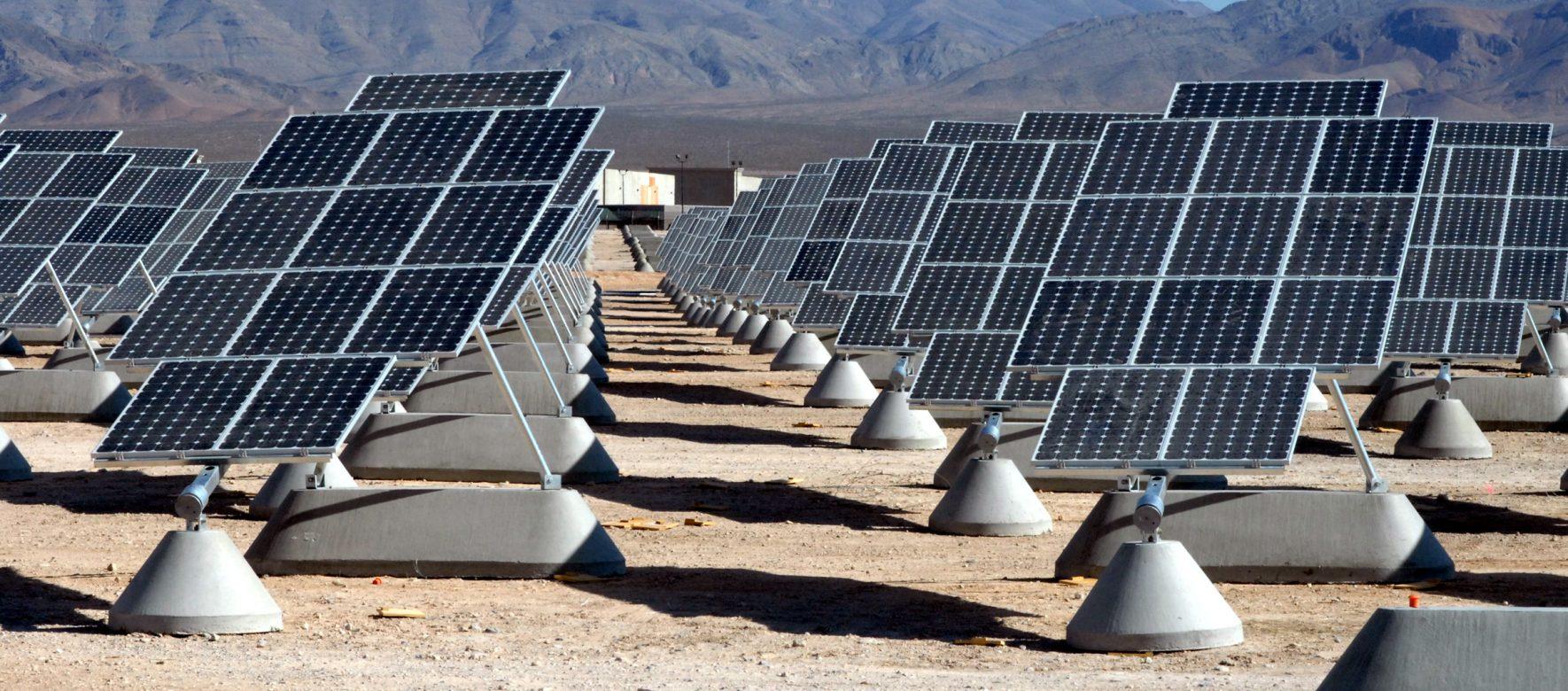 Un vaste projet solaire photovoltaïque inauguré à Assouan