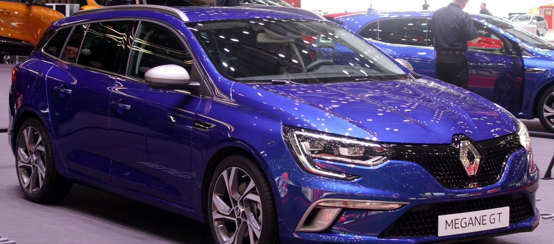 Why is Renault investing into intelligent car system in Israel? 2