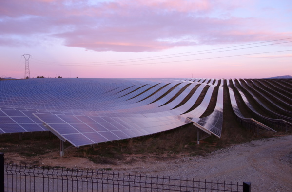 Une usine de mise en bouteille d'eau va accueillir le plus grand parc solaire du Liban