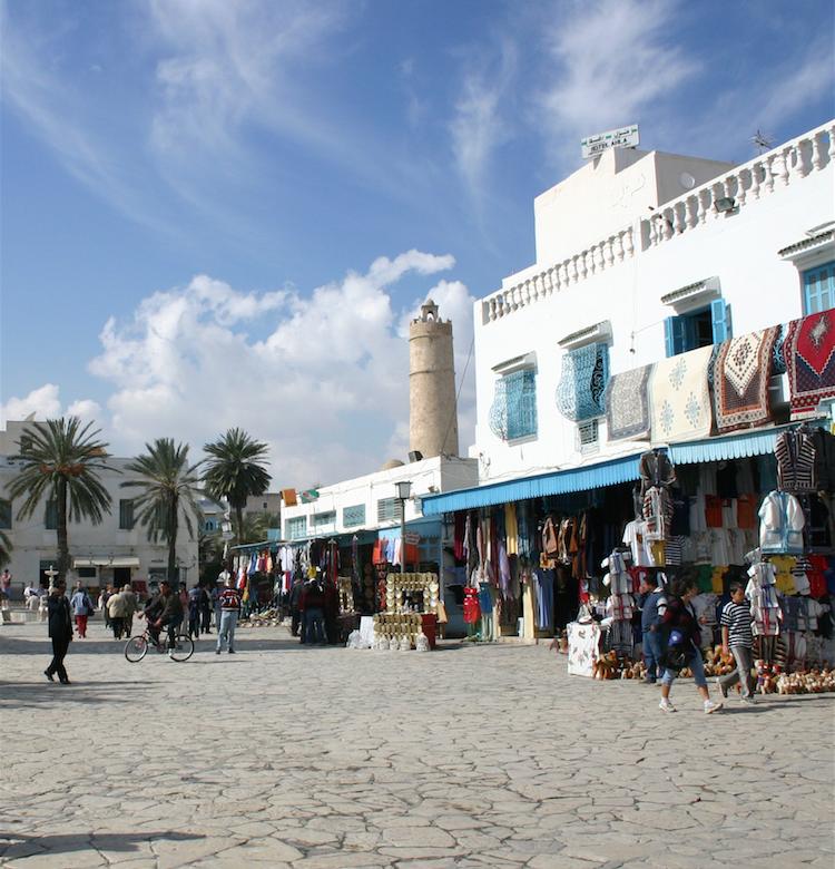 Venue massive de touristes algériens chez leurs voisins en Tunisie