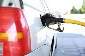 En Tunisie, le pouvoir annonce la fin des subventions au carburant