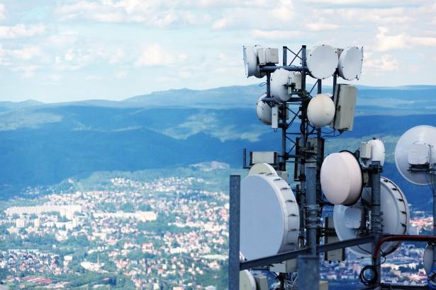 Violente compétition entre les différents opérateurs de téléphonies mobile en Algérie