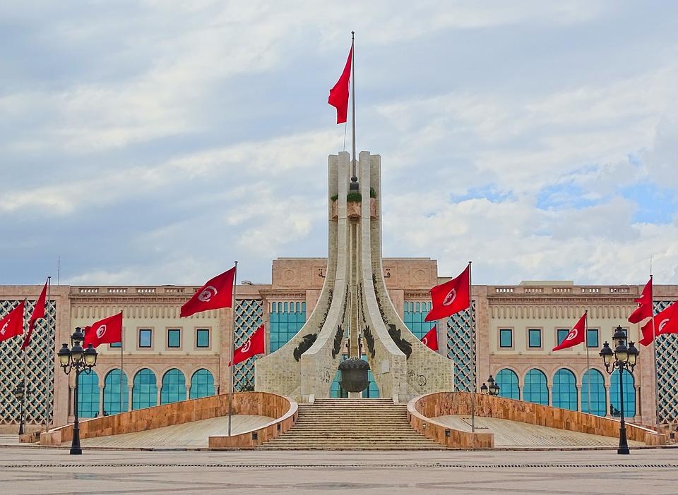 Tunisie :Quelles sont les 3grandespriorités économiques que doit lancer le nouveaugouvernementselon la BERD ?