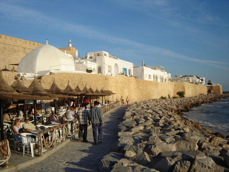 Attentats à Tunis: faut-il s'inquiéter pour le secteur du tourisme ?