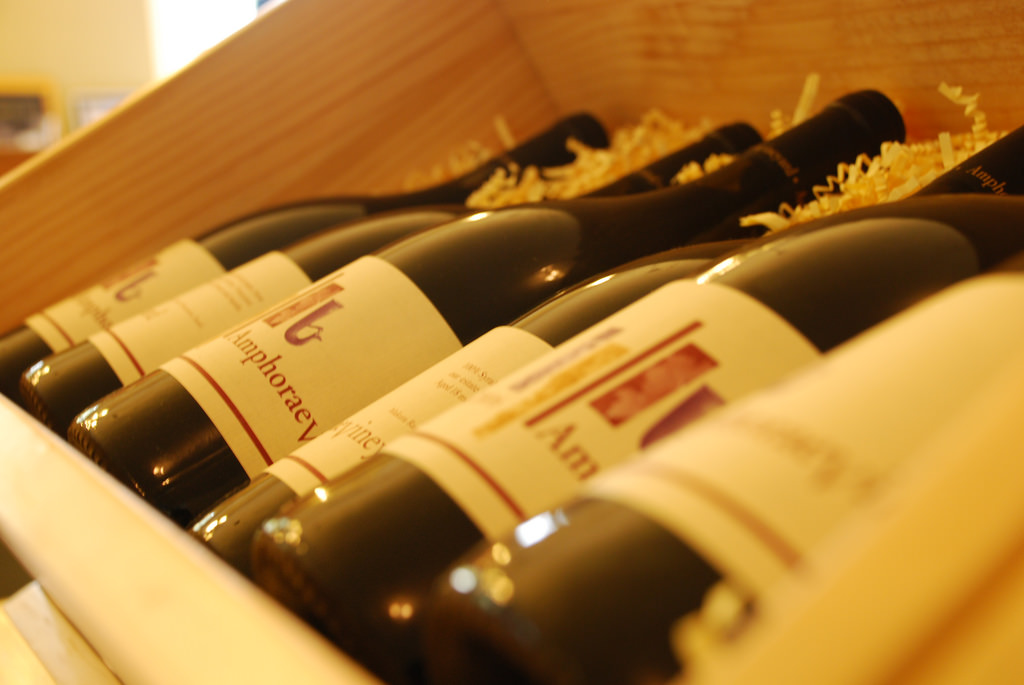 Israel is promoting his wine expertise in China 2