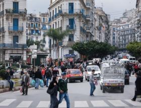 Algérie : Les banques et établissements financiers du pays ont encore six mois pour augmenter leur capital social, imposé par la Banque centrale