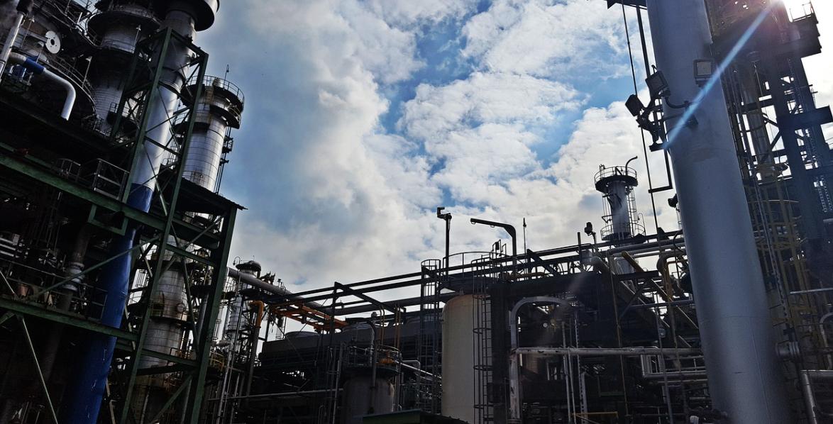 Egypte : Le gouvernement a conclu un accord de 7,5 milliards de dollars pour la construction d'un complexe pétrochimique dans la région d'Ain Sokhna, à l'est du Caire