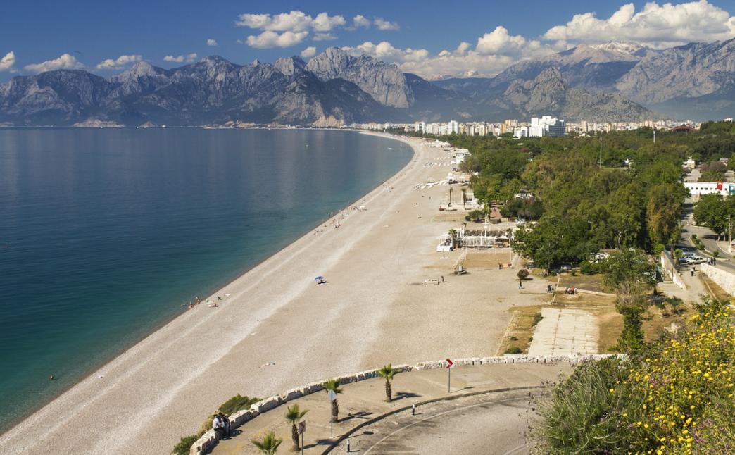 Turquie : Ca y est les touristes ont « débarqué » dans la célèbre station balnéaire d'Antalya