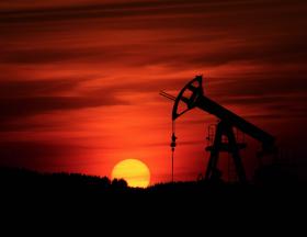 La Libye doit augmenter sa production de pétrole de 40 % soit 1,8 million de barils par jour en 2022 pour couvrir ses dépenses et relancer l'économie 1