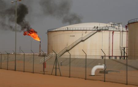 Libye : Le premier ministre a officialisé la construction d'une raffinerie de pétrole dans le sud, près du champ d'Al Sharara, le plus important périmètre de production du pays